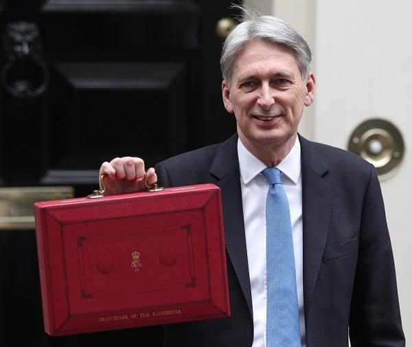 英財政大臣:英國進入經濟復甦轉折點