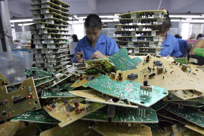 特朗普將懲罰中共在中美貿易中的不公平行為。國際投行高盛日前列出了那些會被波及的中國產品。圖為廣東汕頭的一家玩具工廠。(AFP/Getty Images)