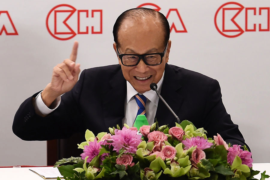 90歲港首富李嘉誠退休 反駁走資指有人專打名人