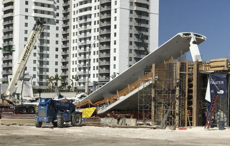 15日佛羅里達國際大學人行天橋垮塌,造成6人死亡。參議員要求嚴查責任人。(AFP PHOTO/AFP TV/Antoni BELCHI)