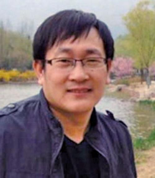 中國維權律師王全璋在2015年7月10日,中共對維權律師和維權人士的打壓行動中被拘捕。(王全璋妻李文足推特)