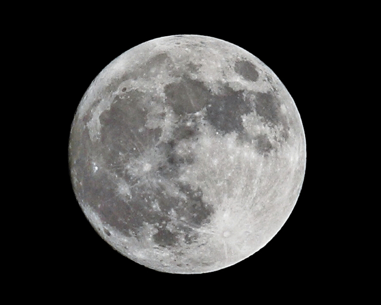 科學家擬建月球望遠鏡