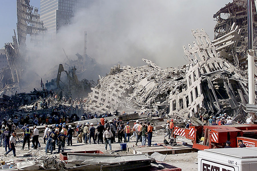 2001年,美國紐約遭遇「911」恐怖襲擊,當時一名紐約市渡輪船長曾幫助數百人從曼哈頓下城撤離,被譽為英雄。(BETH A. KEISER/AFP/Getty Images)