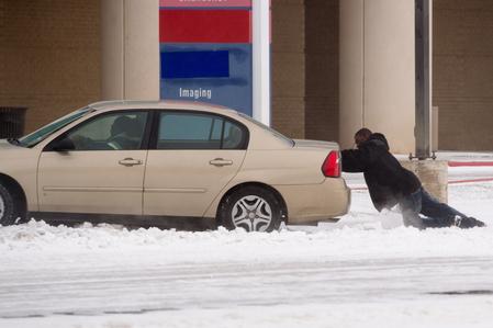 美極端天氣已奪數十生命 冰雪又侵襲東北部