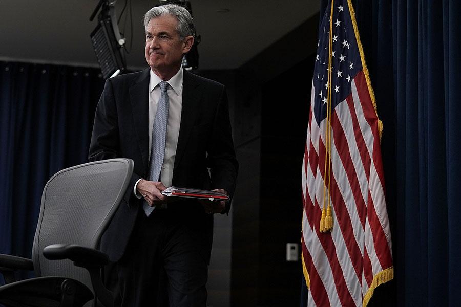 周三(3月21日),美聯儲宣佈加息25個基點,還同時上調部份美國未來經濟預期指標。圖為美聯儲主席鮑威爾(Jerome Powell)當日首次主持新聞發佈會。(Alex Wong/Getty Images)