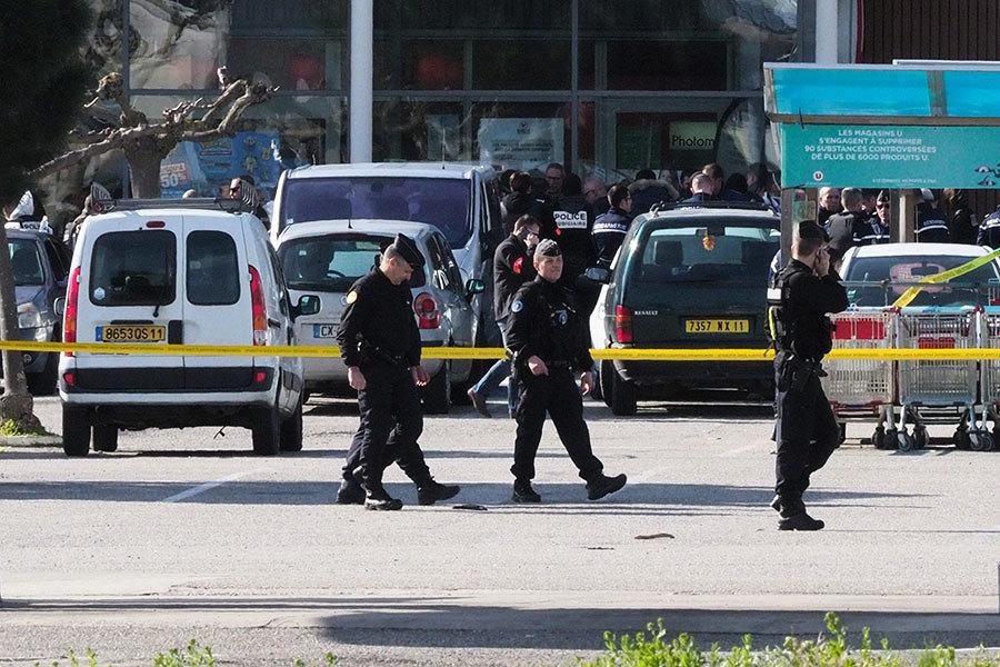 法國發生恐襲 槍手超市劫持人質至少2死