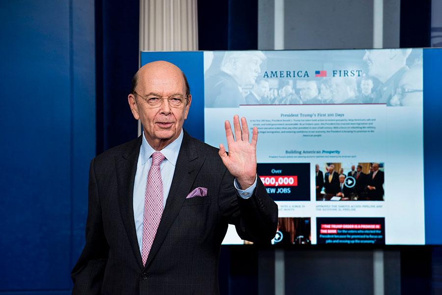 圖為美國商務部長羅斯。(BRENDAN SMIALOWSKI/AFP/Getty Images)