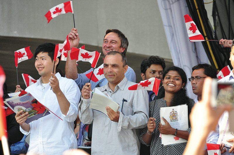 一項調查稱,加拿大的華裔移民學好英文有較大難度。就業行家再次強調語言能力,並敦促渥京增加語言培訓投入,幫助新移民。(大紀元資料圖片)