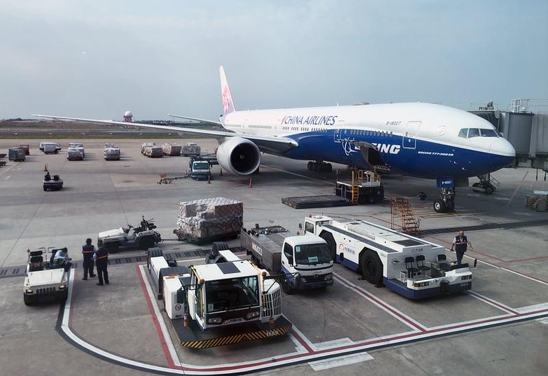 中華航空開闢台北到美國加州安大略新航線,3月25日起正式營運,採用波音777-300ER廣體客機執飛。(中央社)