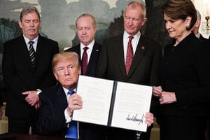 華日:解決中美貿易摩擦 雙方展開幕後談判