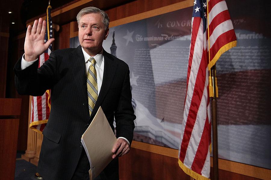 美國參議員格雷厄姆(Lindsey Graham)再次警告金正恩,如果他在無核化協商中搞欺騙的話,將遭受軍事打擊。(Alex Wong/Getty Images)