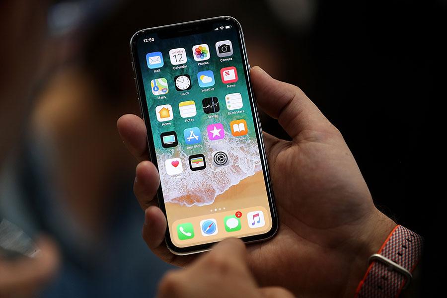 手機控被指是一種心理疾病。(Justin Sullivan/Getty Images)
