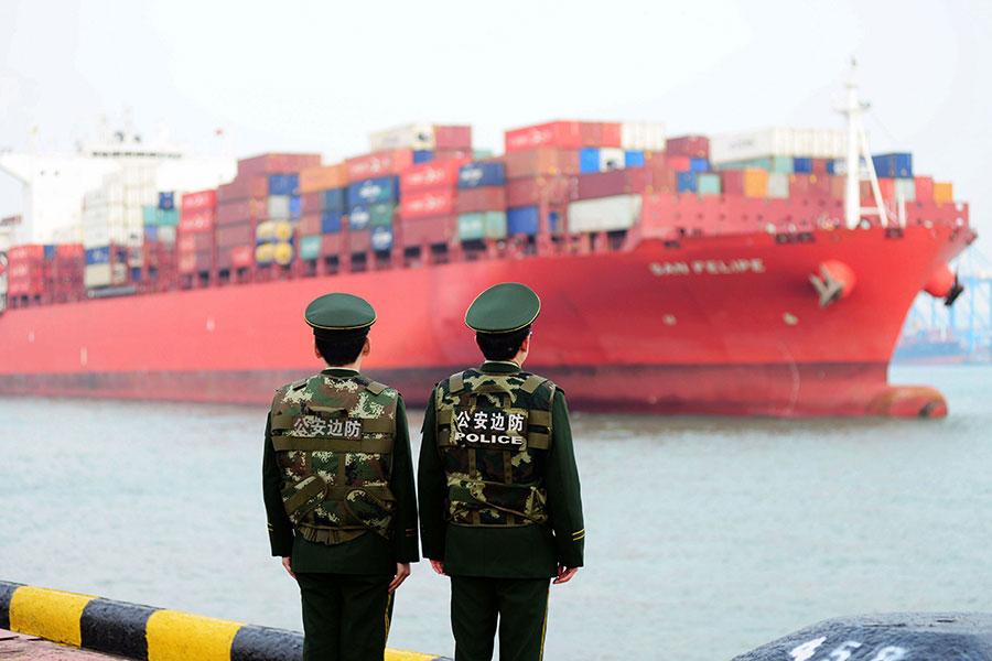 特朗普政府周二(4月3日)公佈對中國大約1300種產品徵收25%關稅的詳細清單,以應對中共涉嫌盜竊美國知識產權行為。圖為示意圖。(AFP/Getty Images)