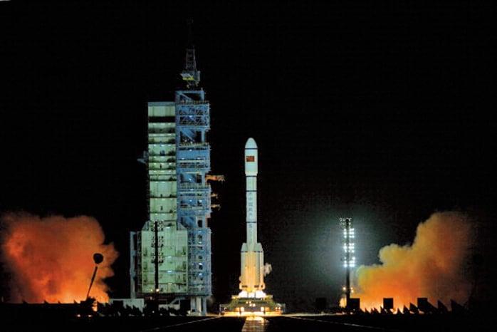 已失控的中共實驗性太空站「天宮一號」4月2日上午墜落南太平洋。(Getty Images)