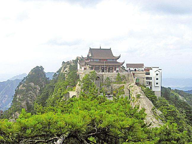 九華山天台峰天台寺大雄寶殿(維基百科公有領域)