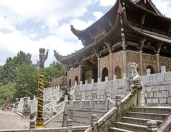 藏有金地藏肉身的九華山肉身寶殿(維基百科公有領域)