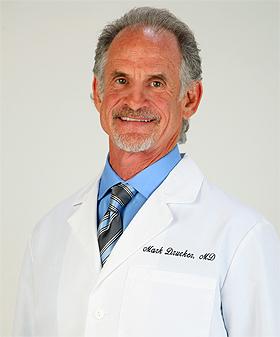 美國先進醫學中心醫學總監、加州執業醫生Mark Drucker