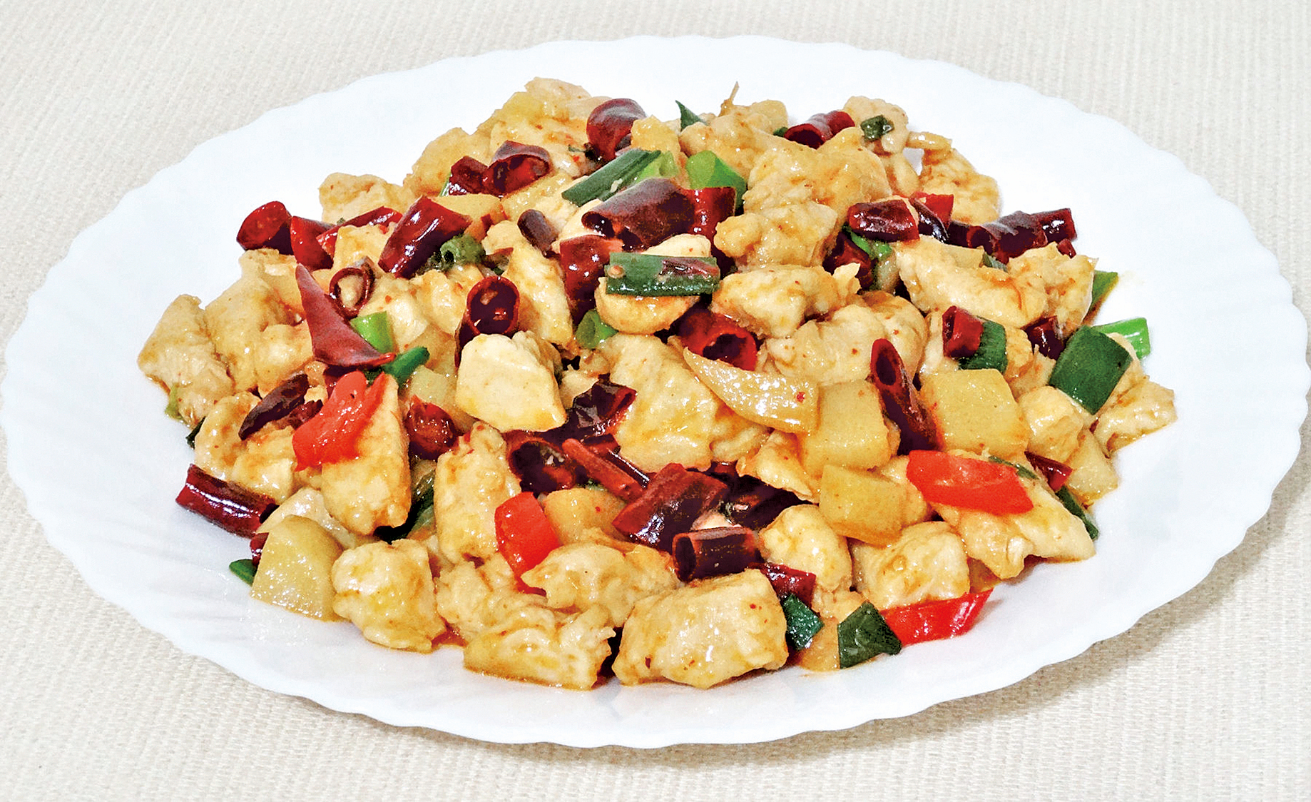 「文山雞丁」是江西的傳統名菜,相傳此菜與南宋英雄文天祥有關。