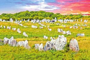 最大史前石陣 逾三千巨石排排站