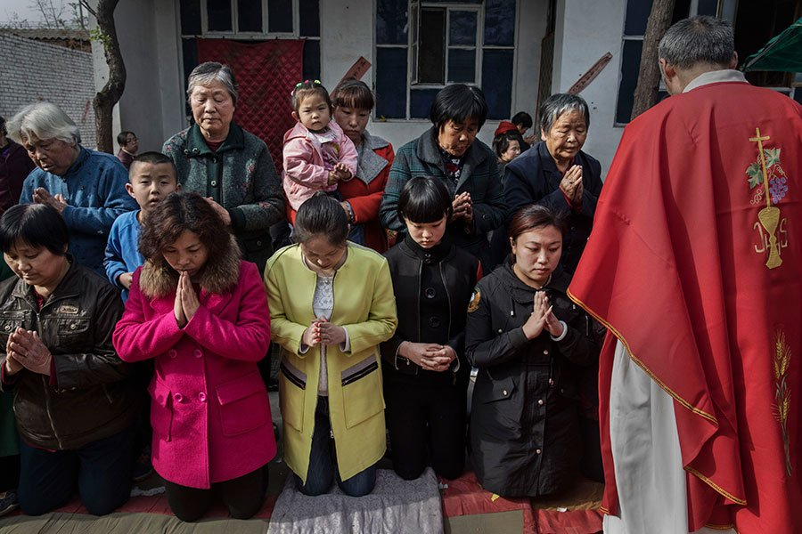 一名中共官員周二(4月3日)說,中共將不會允許任何外國勢力干預中國宗教事務。這打碎了梵蒂岡跟中共簽署協議、控制大陸羅馬天主教會的希望。(Kevin Frayer/Getty Images)