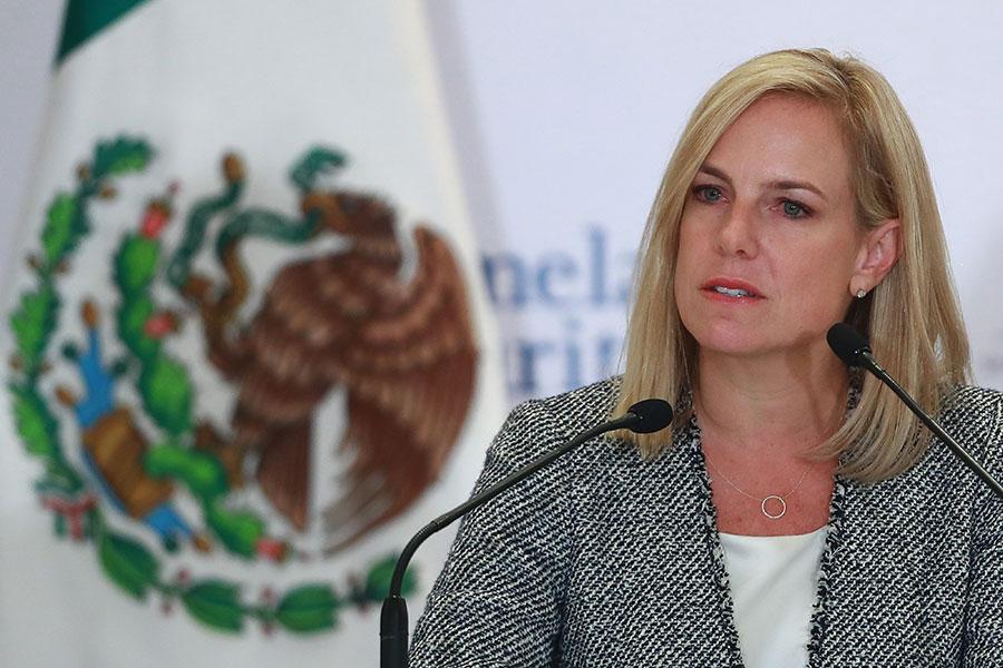 國土安全部部長尼爾森(Kirstjen Nielsen)在白宮新聞發佈會上說,美國需要改革庇護法,以終止對美國庇護制度的系統性濫用,並制止欺詐行為。(Hector Vivas/Getty Images)