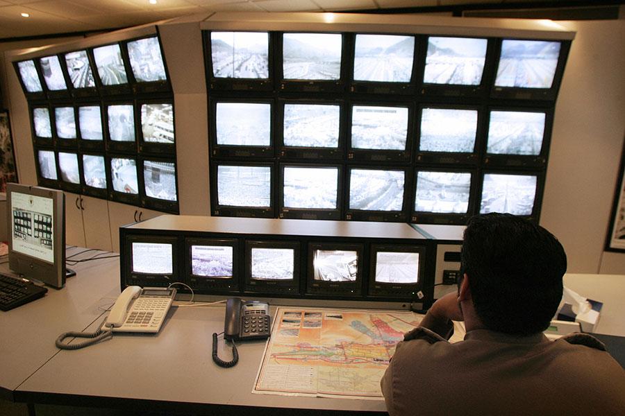 中國透過遍布的監視器,捕捉路人的臉部資訊以監控公眾行為。(BEHROUZ MEHRI/AFP/Getty Images)