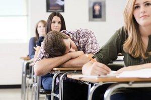 課業成績差  緣於上課時間與生物鐘不符