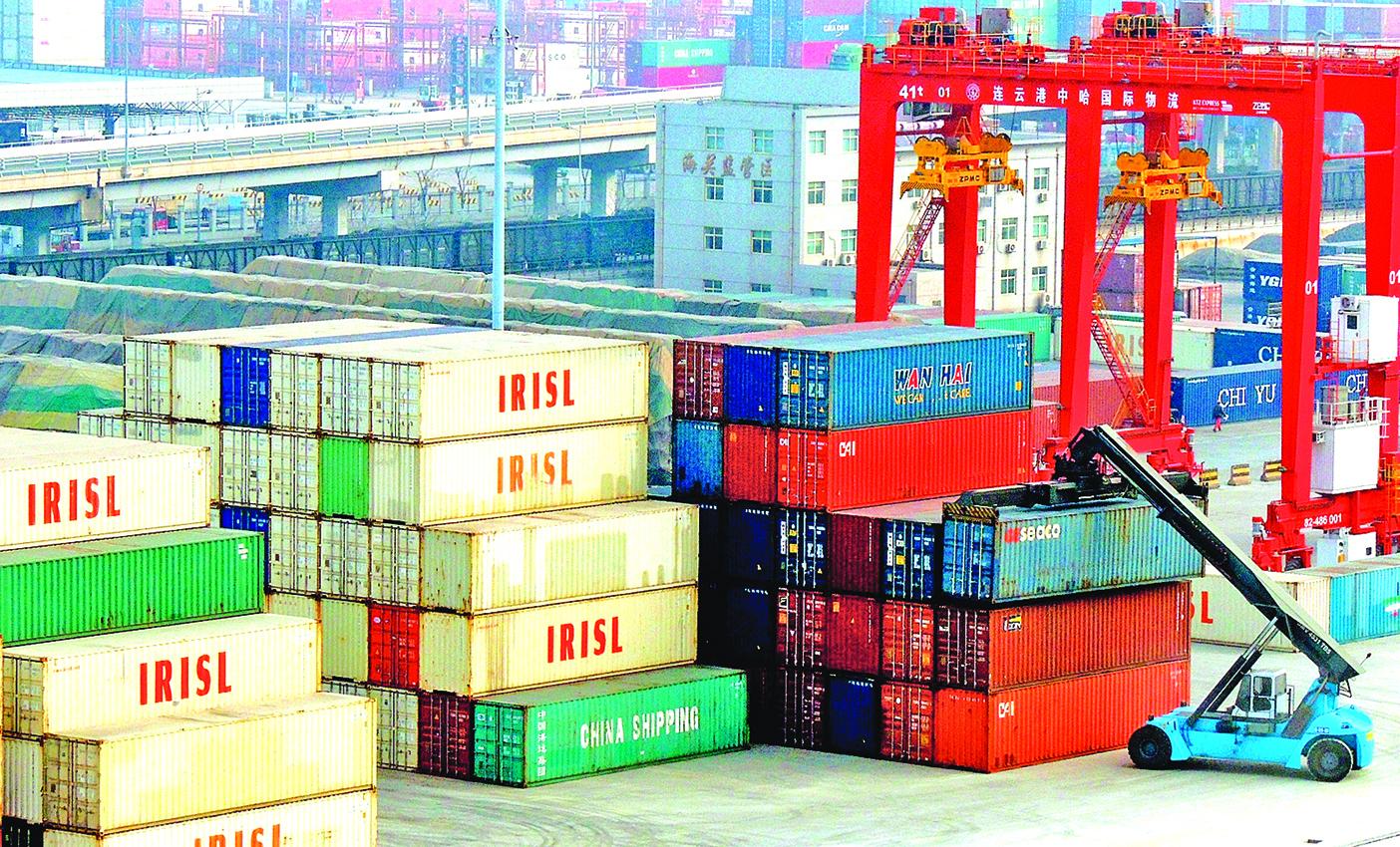 圖為江蘇連雲港的一個貨運碼頭。(Getty Images)