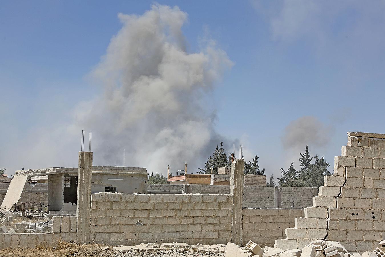 敘利亞多個團體於2018年4月7日指控,政府軍對大馬士革東郊的東古塔杜馬市投擲大量毒氣彈,已造成數百人死傷。(AFP)
