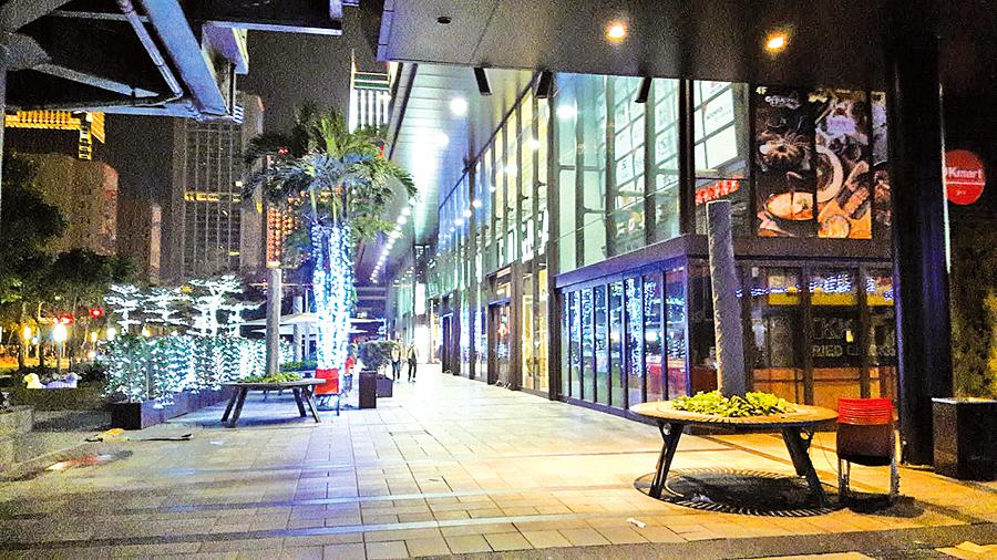 除夕夜看電影 驚鴻一瞥台北街頭難得一見的都市風情