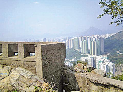 魔鬼山頂的炮台遺蹟。(Zephyr Su/公有領域)