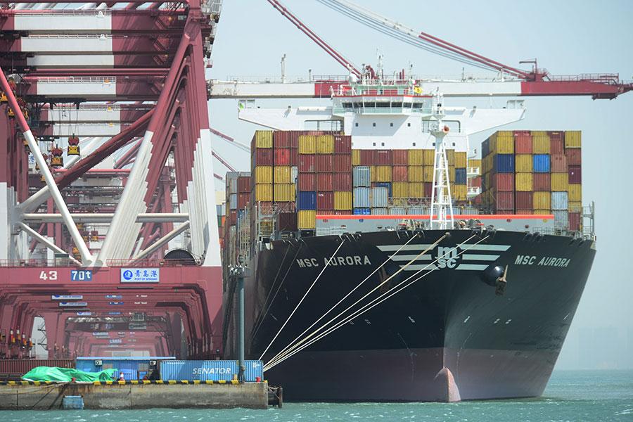 內地有觀察人士分析認為,中共如果真打貿易戰,中國經濟將徹底崩潰。(VCG/VCG via Getty Images)