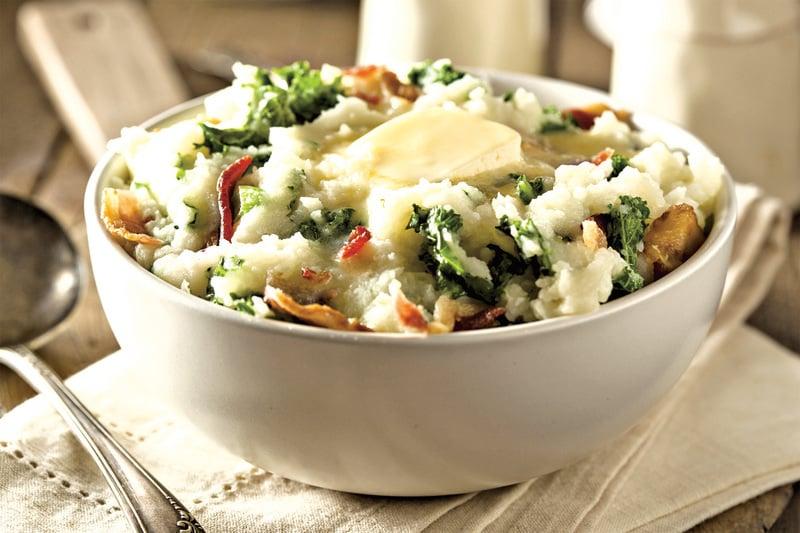 愛爾蘭人的傳統料理Colcannon,是把馬鈴薯泥加上白菜、煙肉、奶油混合而成的。 圖/Fotolia
