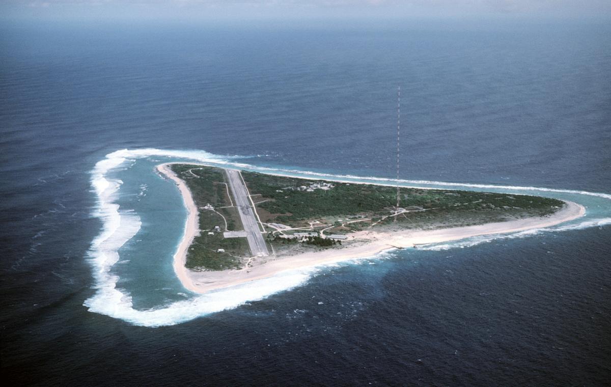 圖為日本最東端的南鳥島。(CMSGT Don Sutherland/維基百科公有領域)