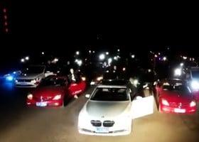「內涵段子」被關 網友堵廣電總局鳴笛抗議