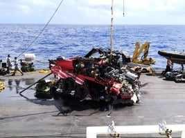 台失事黑鷹機座艙難尋 艙內四人恐長埋深海