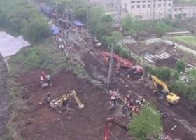 京廣鐵路武漢段路基塌陷 30餘列車停運
