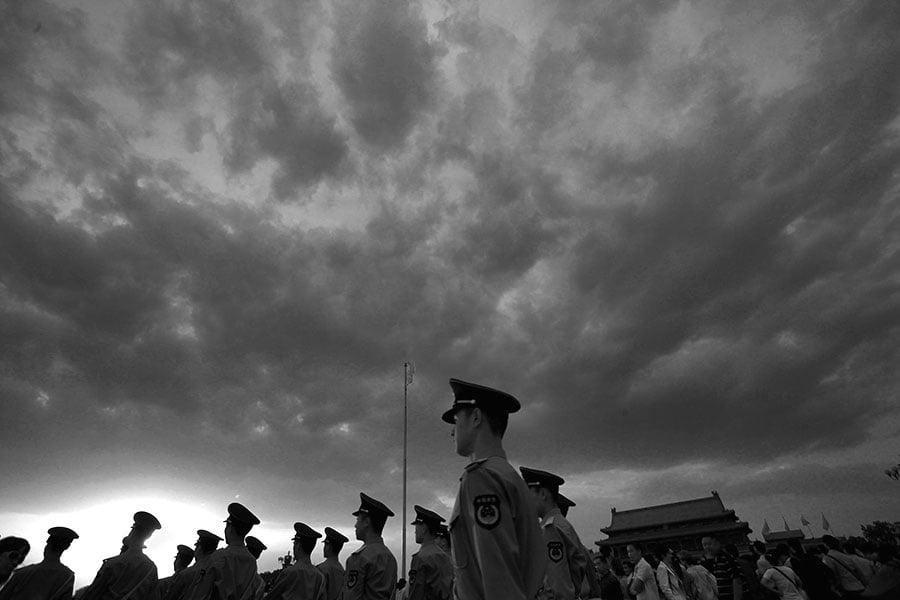 近日,習近平當局對江派此前把持的政法委系統進行大幅度地改革、重組,政法委系統的權力再次被削弱。(Feng Li/Getty Images)