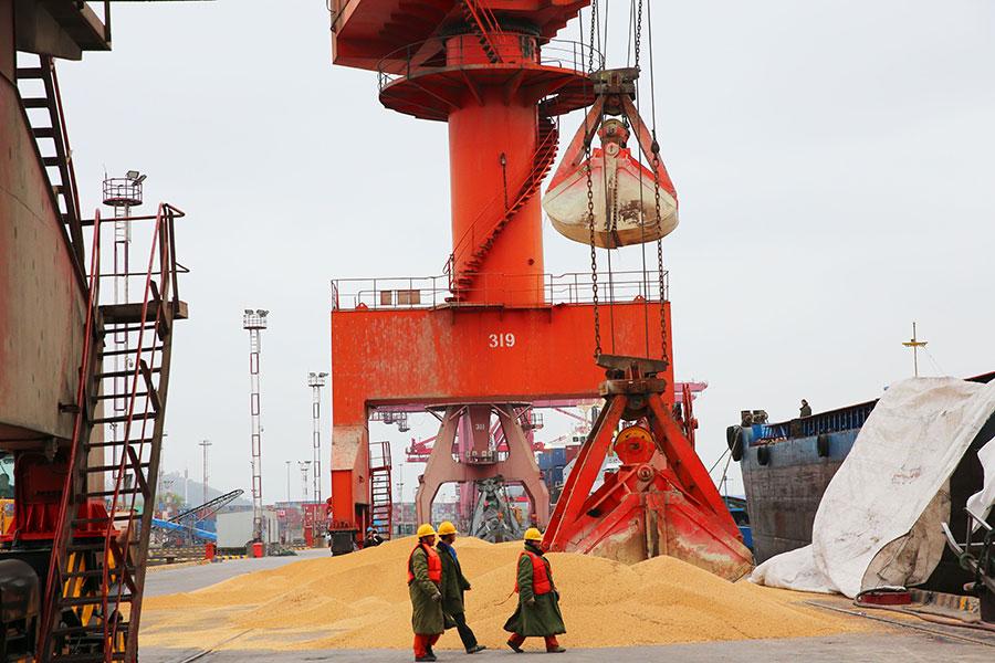 中美貿易不平衡今年第一季度急劇惡化,可能讓兩國已經激烈的貿易紛爭火上澆油。(AFP/Getty Images)