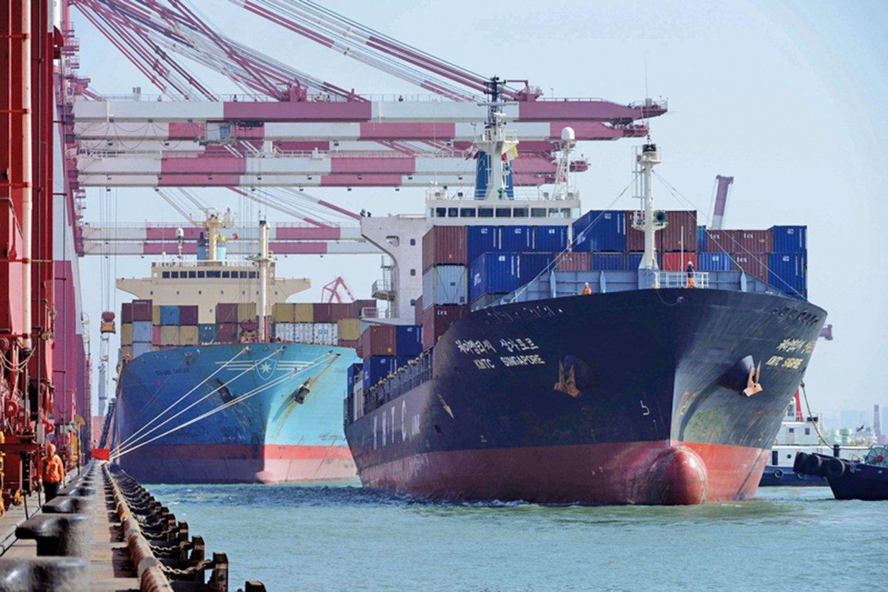 美國總統特朗普周六(4月14日)再次表達對中國產品加徵關稅的強硬立場,他說,美國別無選擇,不能再容忍美國單邊開放市場、而其它國家卻關閉的做法。(AFP)