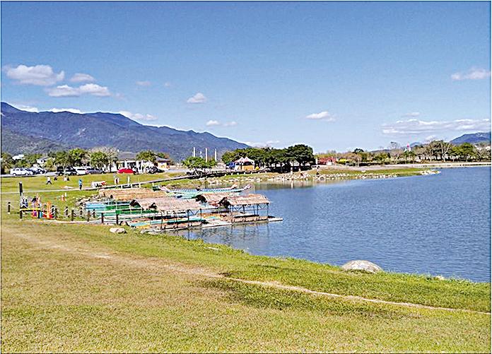 大坡池周圍景致優美,徒步或踩單車遊覽皆宜。