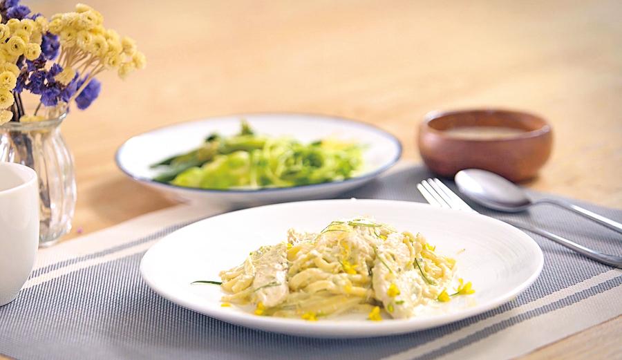 清爽的蔬菜意大利粉
