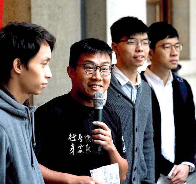 因反對新界東北發展撥款示威案被判入獄十三個月的黃浩銘,昨日獲終審法院批准保釋等候上訴。(社民連Facebook)