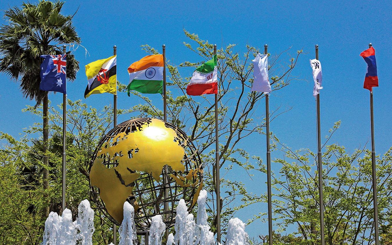 習近平日前宣佈在海南省設自貿區,並推進自由貿易港建設。圖為4月8日,海南省博鰲論壇會議中心外。(Getty Images)