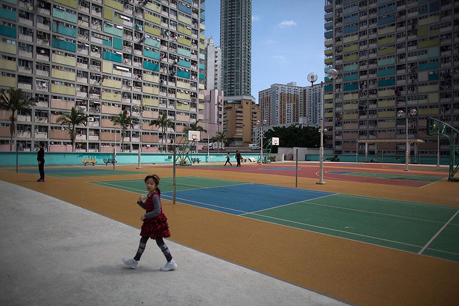 位於市區的彩虹邨,經過外媒報道及電影取景後名聲大噪,成為「打卡」熱點新貴。(Lam Yik Fei/Getty Images)