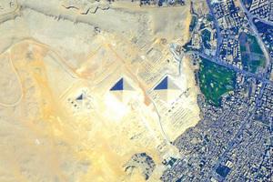 從太空看大金字塔雄偉壯觀