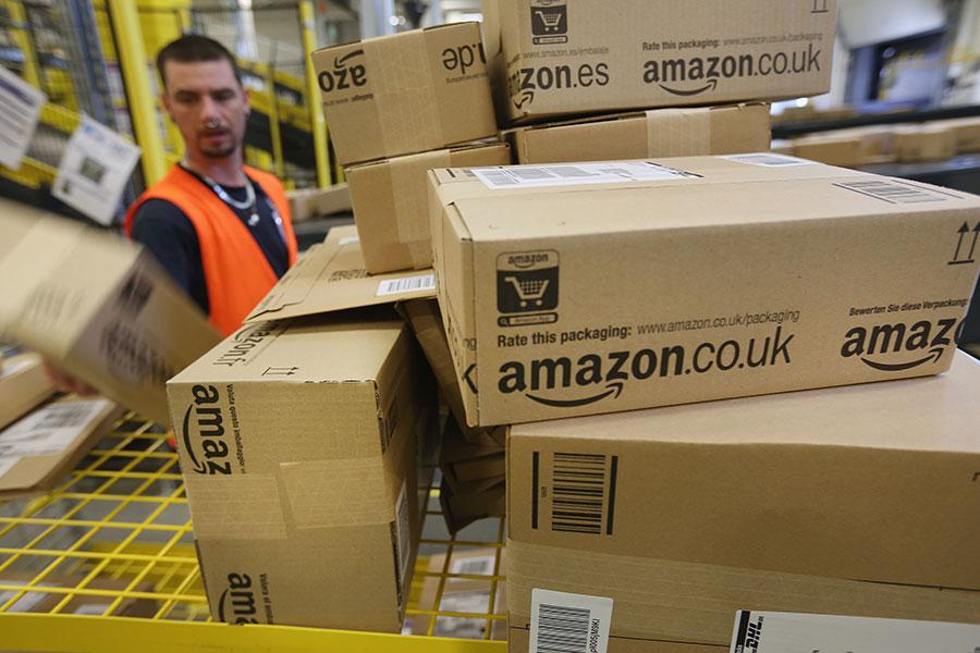 亞馬遜的購物應用軟件(APP)近日新增國際購物服務,使全球客戶可買到從美國運到客戶國家的4,500萬件商品。(Sean Gallup/Getty Images)