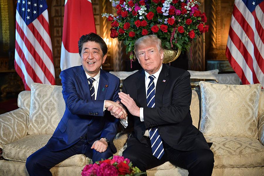 特朗普表示,美國和日本在「北韓問題的立場非常一致」。(MANDEL NGAN/AFP/Getty Images)