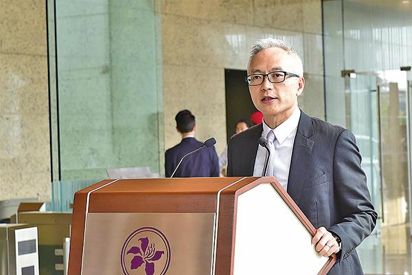 金管局副總裁李達志表示,目前金管局沒有發現有大規模沽空港元活動,聯繫匯率制度運作仍保持順利。(郭威利/大紀元)