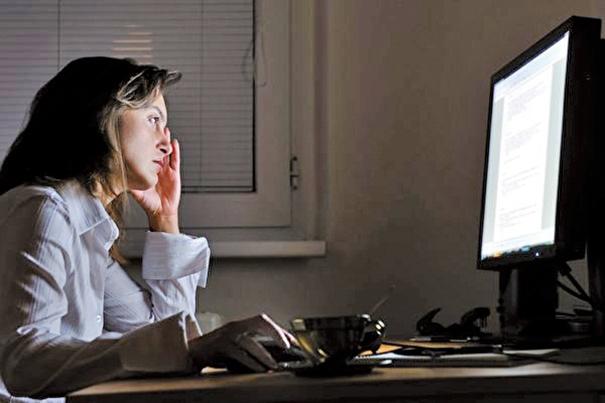 研究指出,經常熬夜的人,「早死」機率比早睡早起的人高出10%。(Martinan/Fotolia)